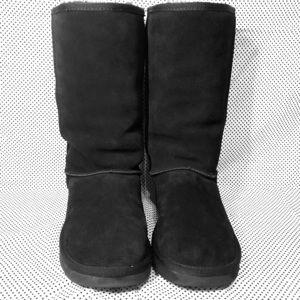 UGG shoes classic tall black